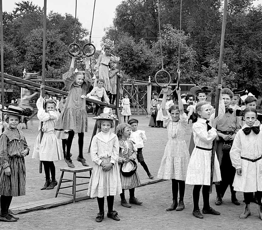 ---¿A que jugaban en el siglo pasado?--- - Página 2 1905_Harriet_Island
